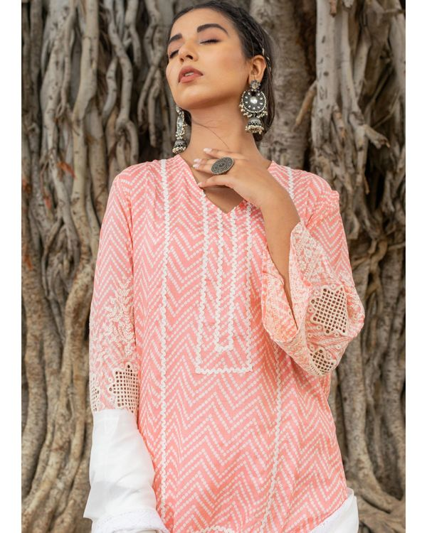Pink and white zig - zag kurta and pants with dupatta - set of three 1
