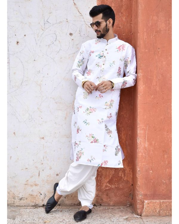 White floral printed kurta and pyjama - Set Of Two 1