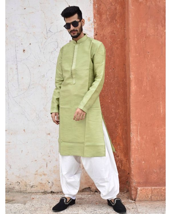 Green yoke detailed kurta and pyjama - Set Of Two 1