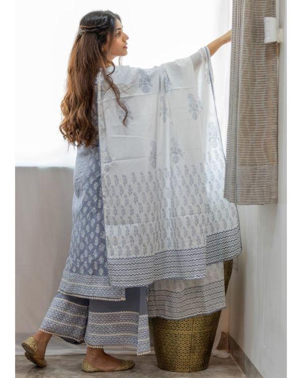 White and grey khari block printed dupatta 1