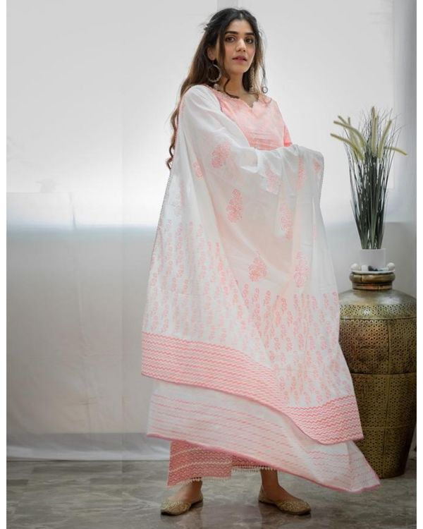 Blush pink khari block printed kurta with palazzo and dupatta - Set Of Three 3