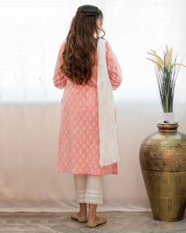 Blush pink khari block printed kurta with pants and crinkled dupatta - Set Of Three 3