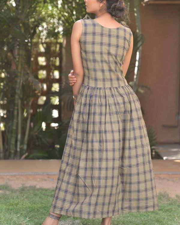 Grey checkered frill dress 3