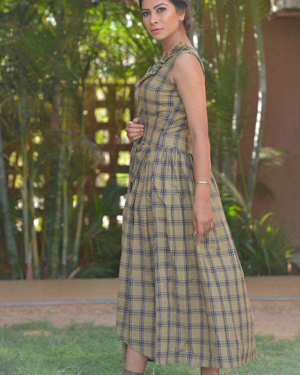 Grey checkered frill dress 1