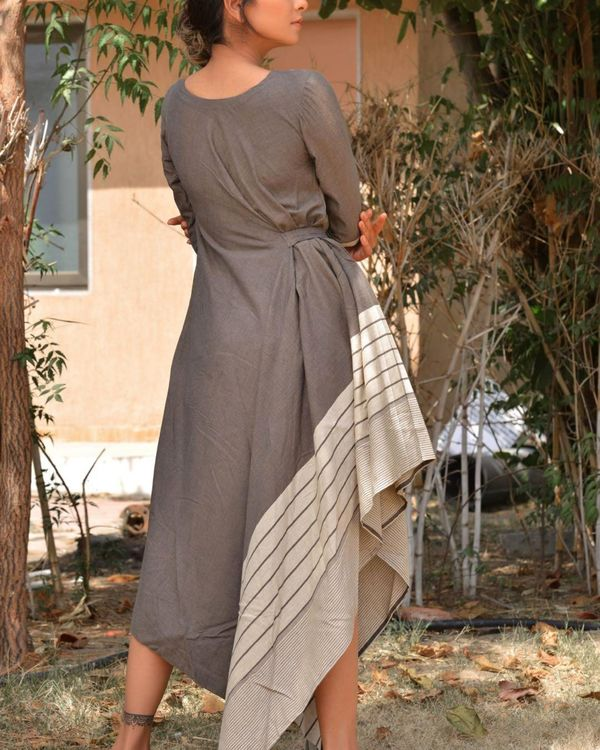 Grey and white side tie-up dress 3