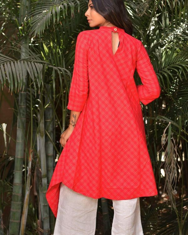 Red tail cut kurta with pocket detailing 3