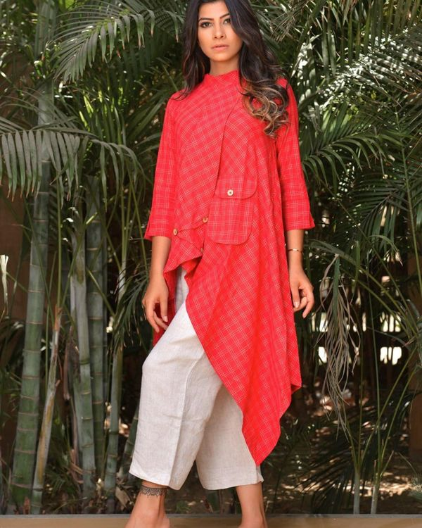 Red tail cut kurta with pocket detailing 2