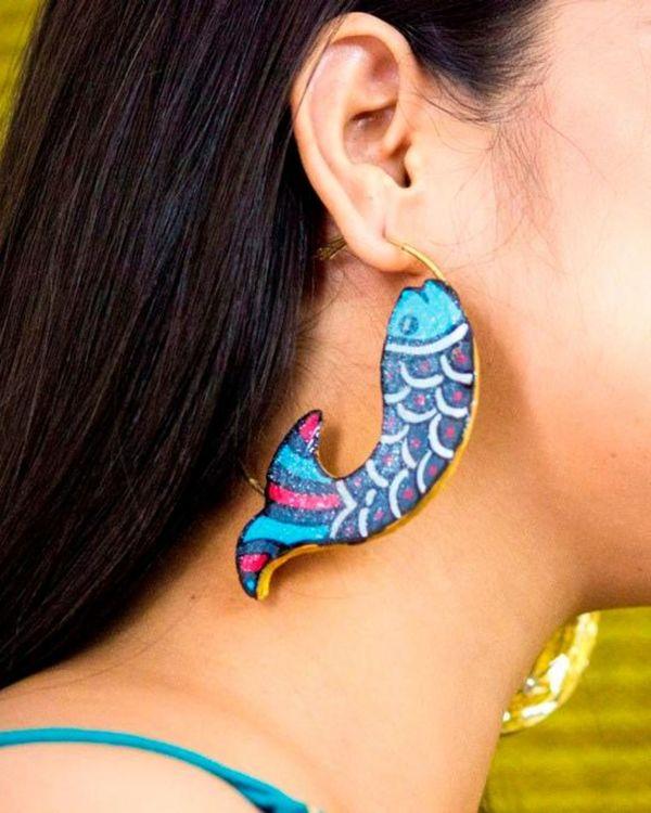 Blue fish motif terracotta hoop earring 1