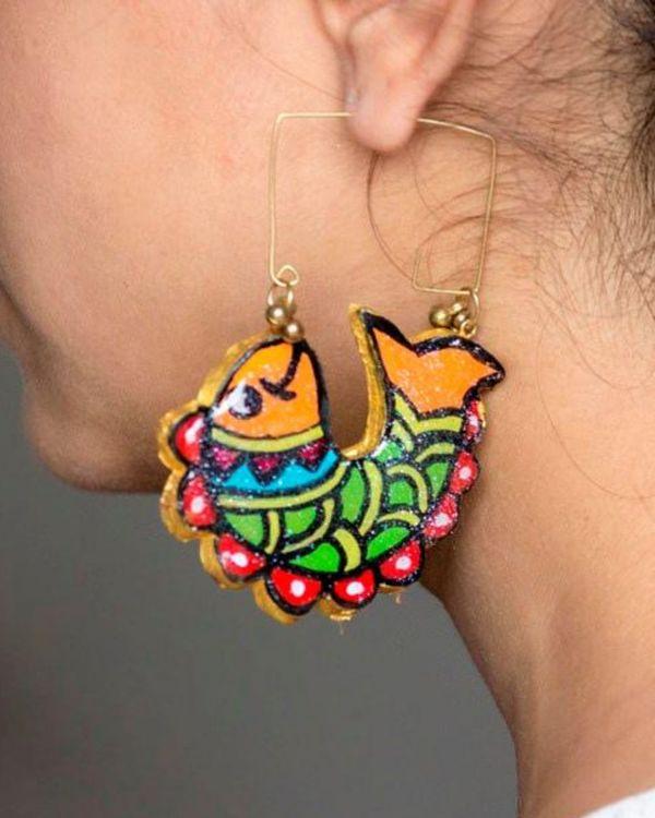 Multicolour fish motif hoop earring 1