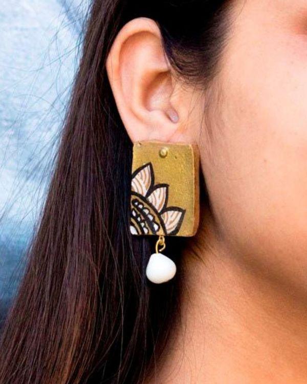 Floral motif block shaped earring 1