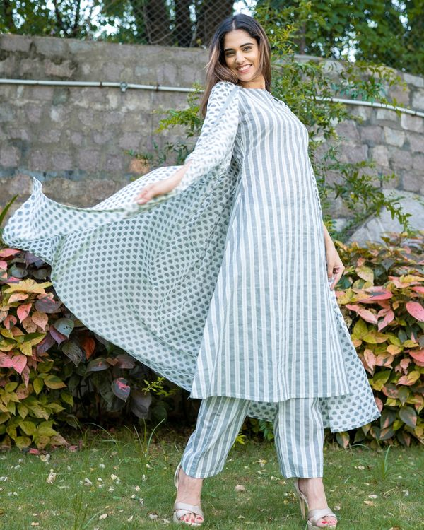 Grey and white boota jacket and striped kurta with palazzo - Set Of Three 2