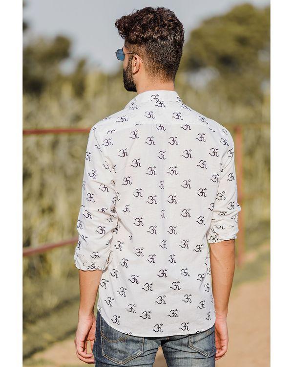 White om motif printed shirt 3