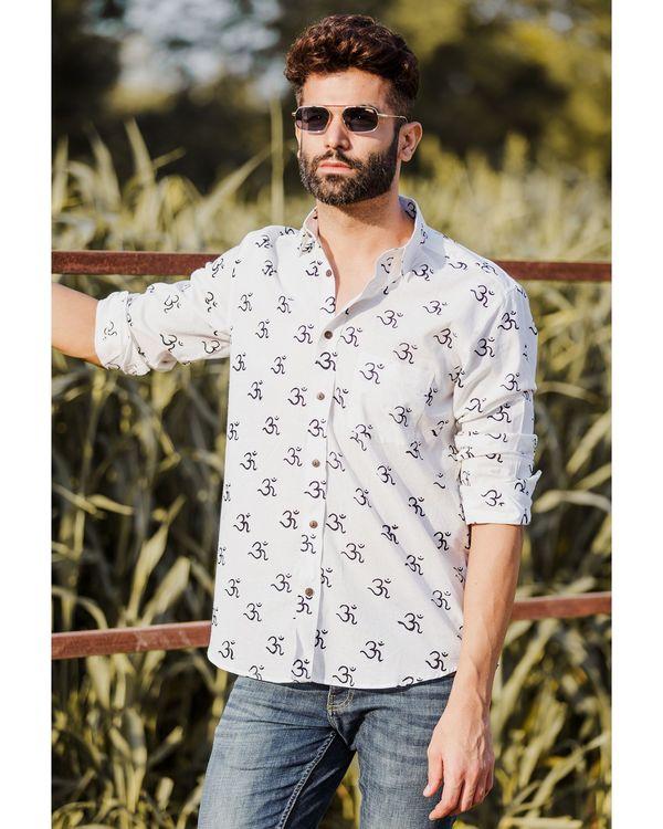 White om motif printed shirt 1