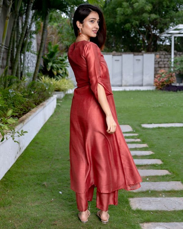 Raspberry red tie-up kurta and pants - Set Of Two 4