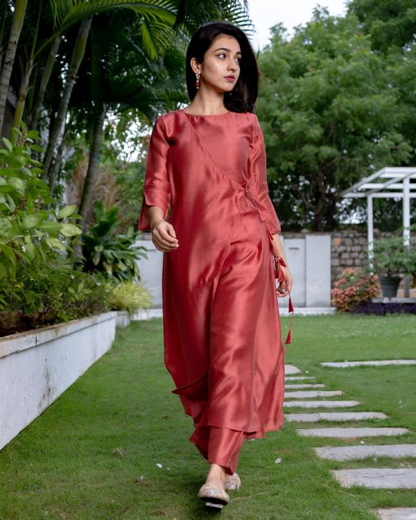 Raspberry red tie-up kurta and pants - Set Of Two 3