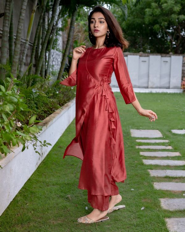 Raspberry red tie-up kurta and pants - Set Of Two 2