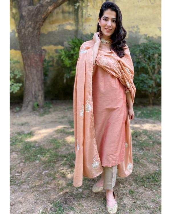 Earthy peach gota kurta and pants with gota dupatta - Set Of Three 2