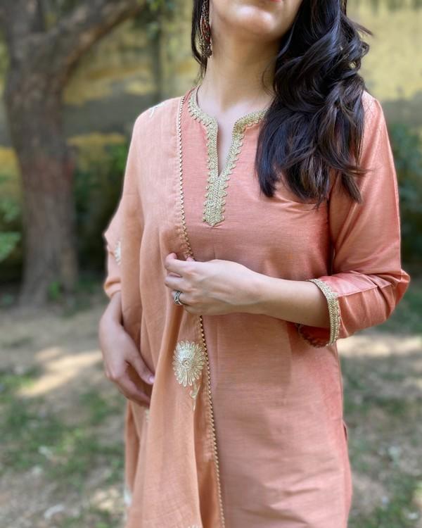 Earthy peach gota kurta and pants with gota dupatta - Set Of Three 1