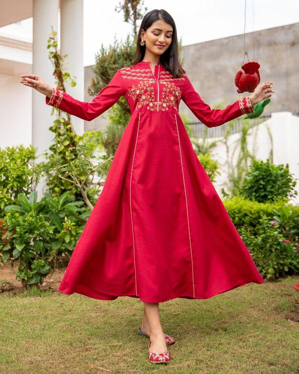 Scarlet red floral embroidered yoke kurta 3