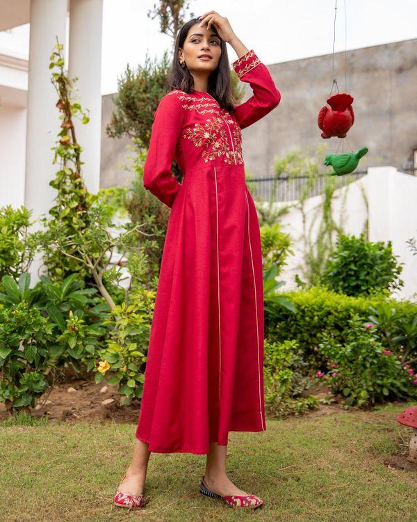Scarlet red floral embroidered yoke kurta 2