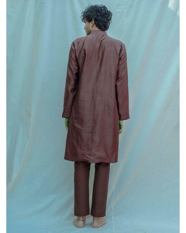 Brown chanderi silk mandarin kurta with pants - Set Of Two 2