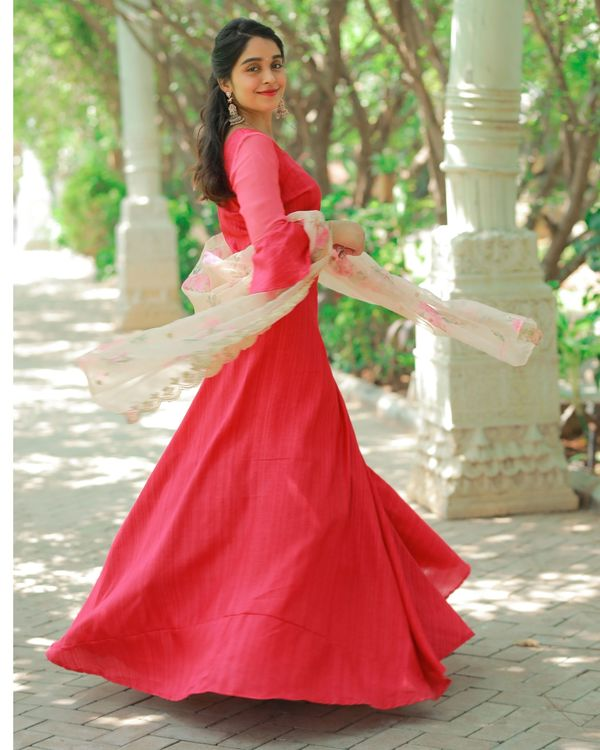 Red bell sleeve crop top and skirt with embroidered dupatta - Set Of Three 3