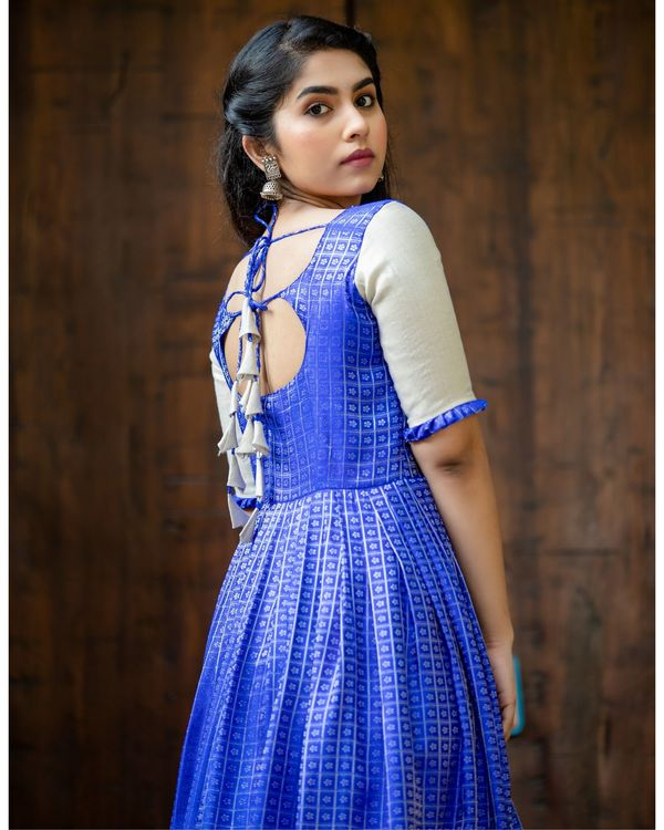 Blue and silver checkered pleated maxi dress 3