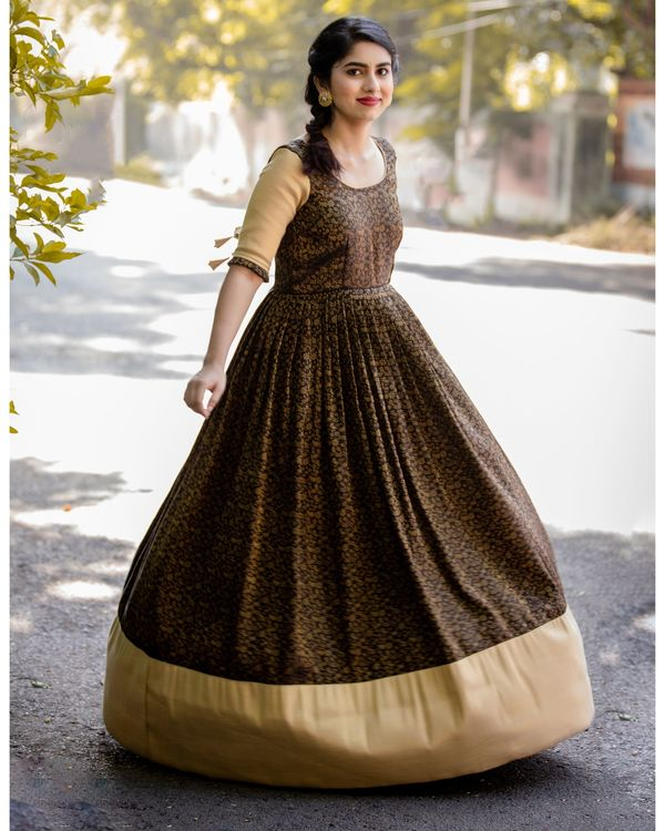 Black and gold floral jaal maxi dress 2