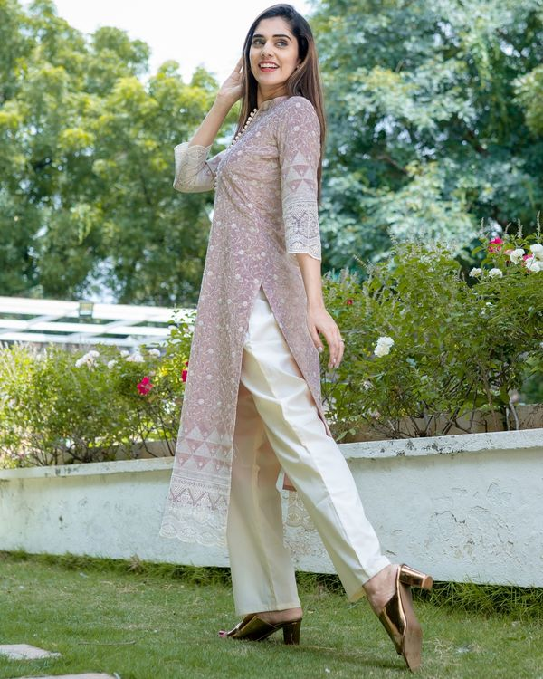 Dusty lavender embroidered kurta with lace detailing and pants - Set Of Two 2