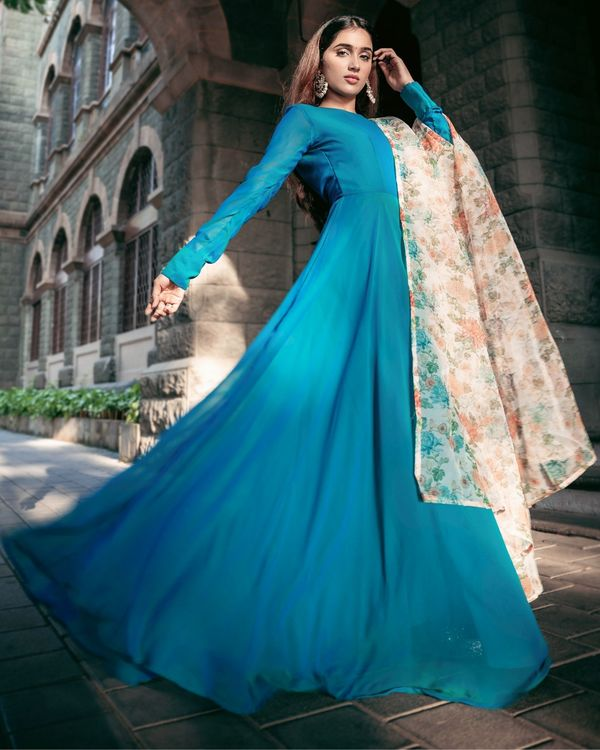 Turquoise georgette flared dress with floral organza dupatta - Set Of Two 2