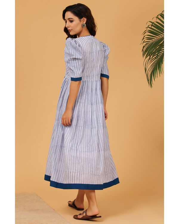 Blue and grey striped puffed sleeve dress 3