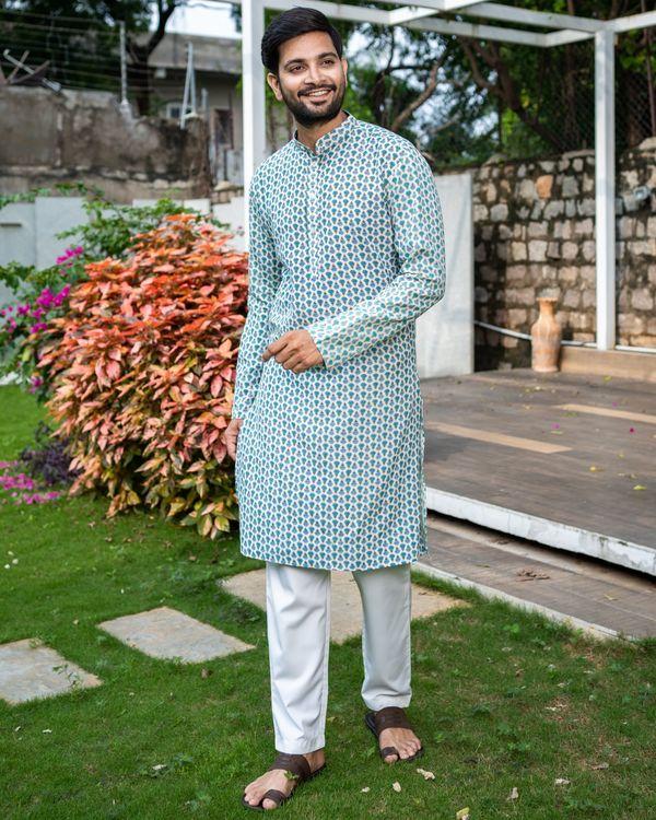 Blue and green boota printed kurta with white pyjama - Set Of Two 2