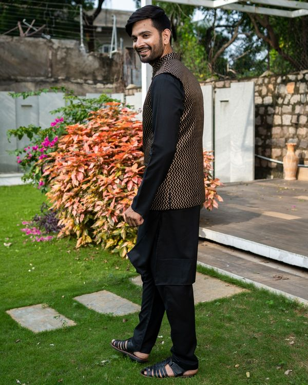 Black chevron printed brocade nehru jacket with black kurta and pyjama - Set Of Three 3