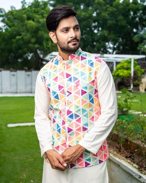 Multicolour trigon nehru jacket with off white kurta and pyjama - Set Of Three 1