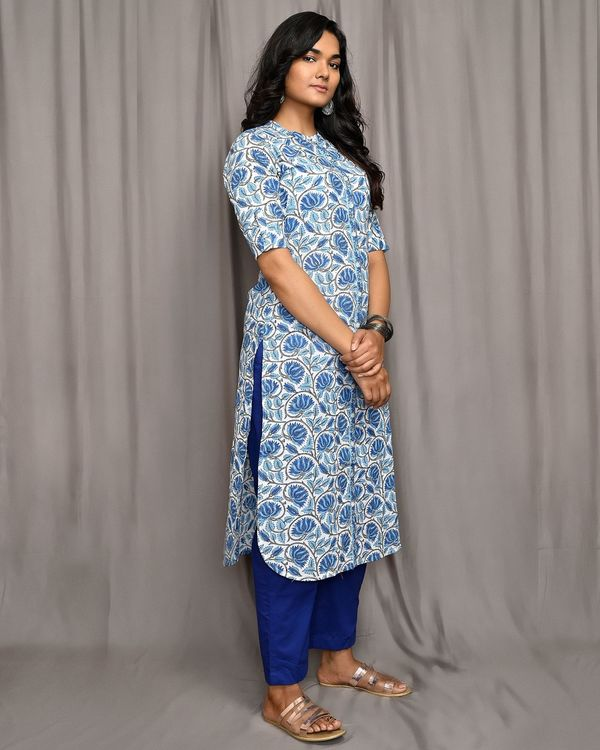 Blue and white floral jaal button down kurta 1