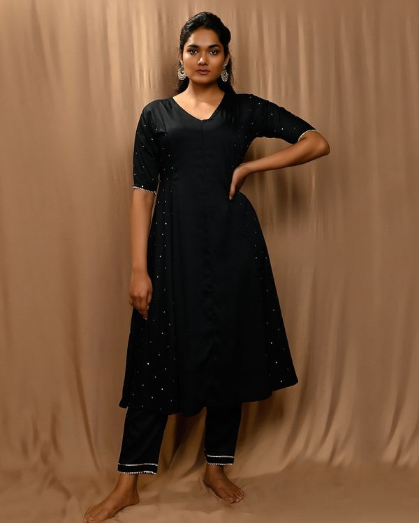 Black paneled gota anarkali kurta and pants with scalloped dupatta - Set Of Three 2