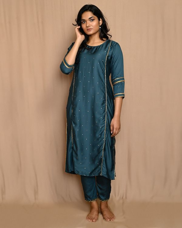 Teal green embroidered gota kurta with pants and dupatta - Set Of Three 2