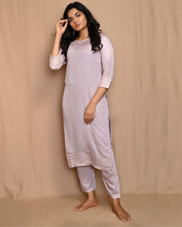 Mauve gota work sequined kurta and pants with scalloped dupatta - Set Of Three 2