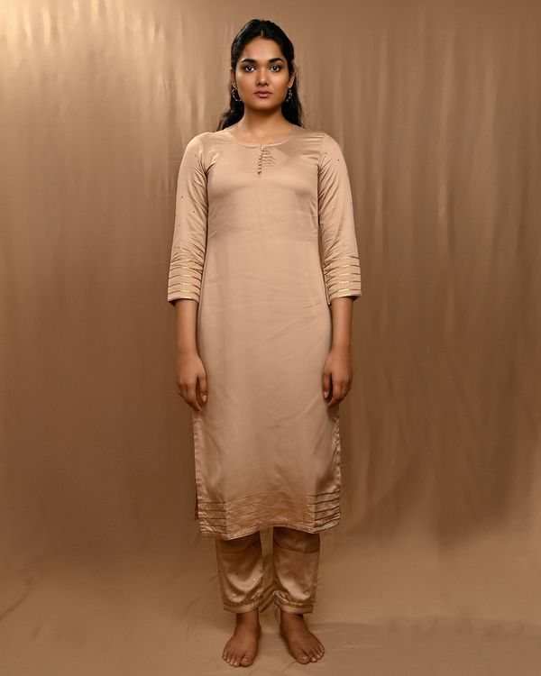 Beige gota work sequined kurta and pants with scalloped dupatta - Set Of Three 2