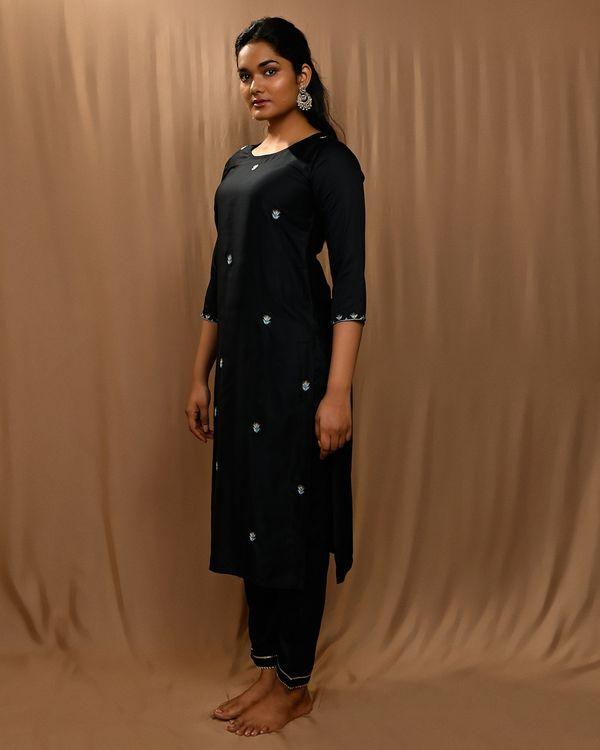 Black embroidered kurta with gota pants and kota doria dupatta - Set Of Three 1