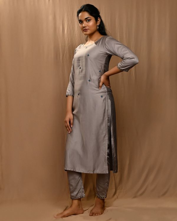 Grey embroidered modal silk kurta with straight pants and dupatta - Set Of Three 2