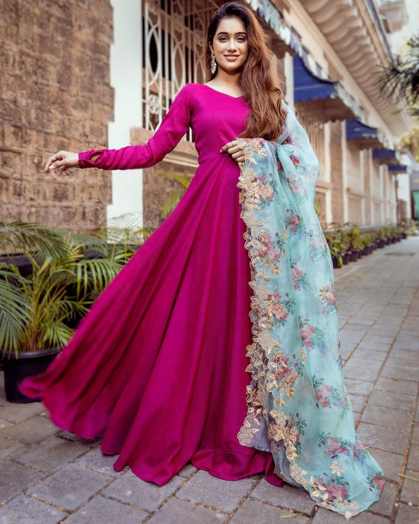 Dual toned flared anarkali dress with floral organza dupatta - Set Of Two 3