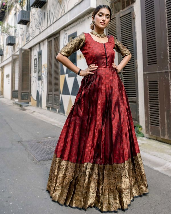Red floral motif pleated dress with zari border detailing 3
