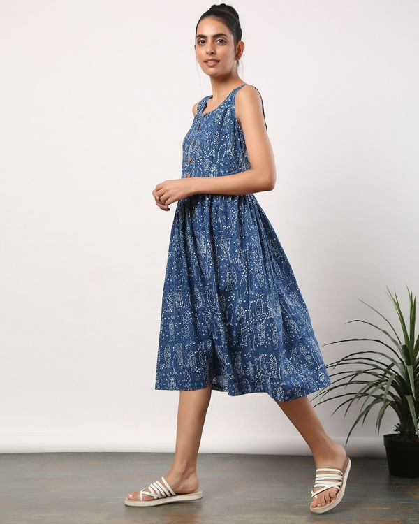 Indigo fish printed buttoned dress with pockets 2