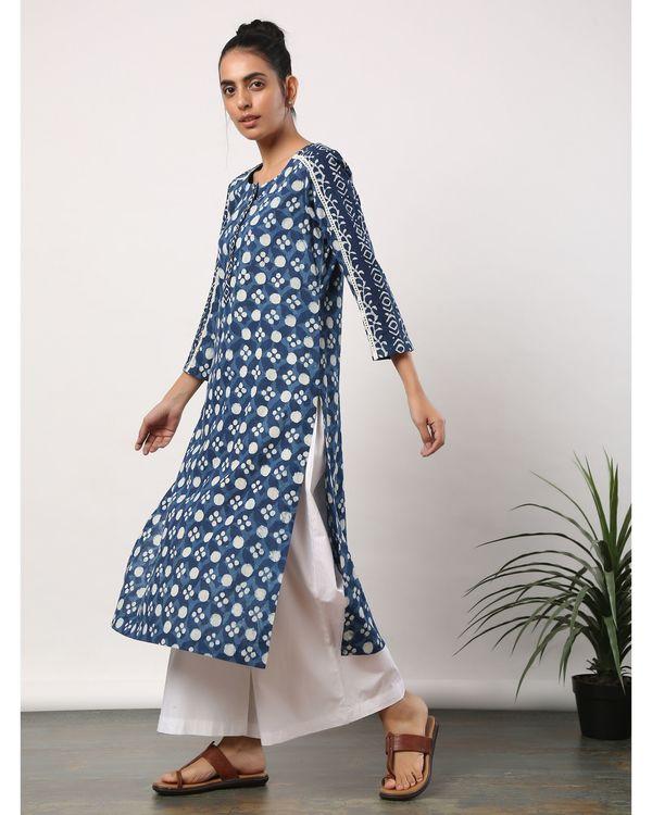 Indigo and white printed lace kurta 2