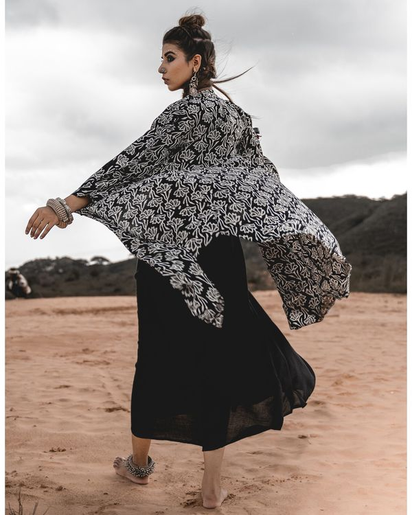 Asymmetric block printed cape with inner - set of two 2