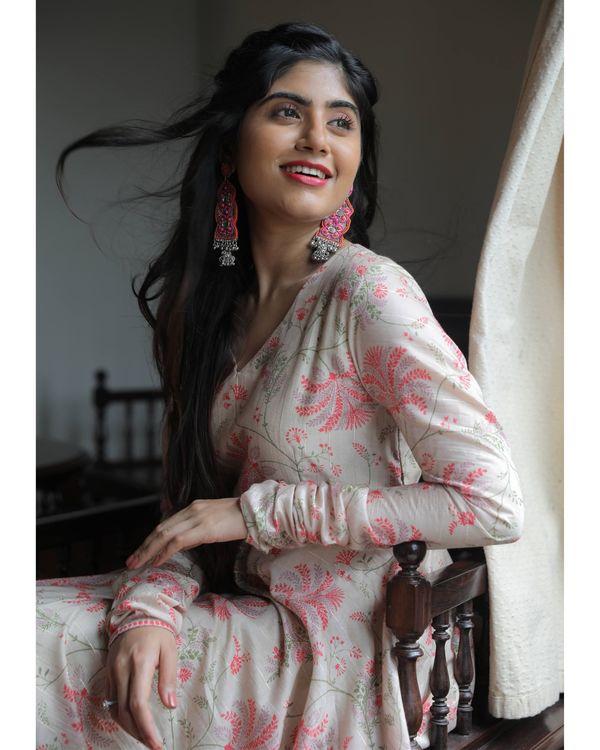 Beige and pink floral jaal printed chanderi dress 1