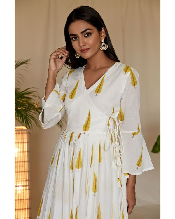 Yellow leaf printed angrakha dress and net dupatta - Set Of Two 1