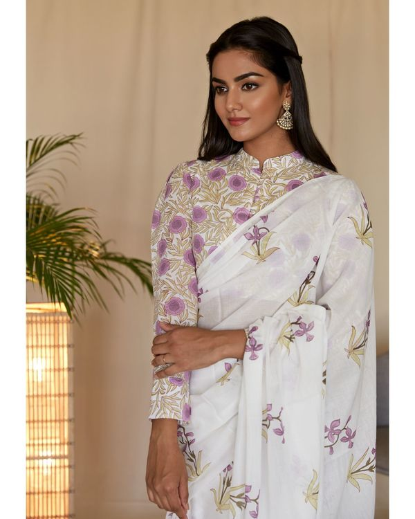 Lilac lily block printed sari with blouse - Set Of Two 1