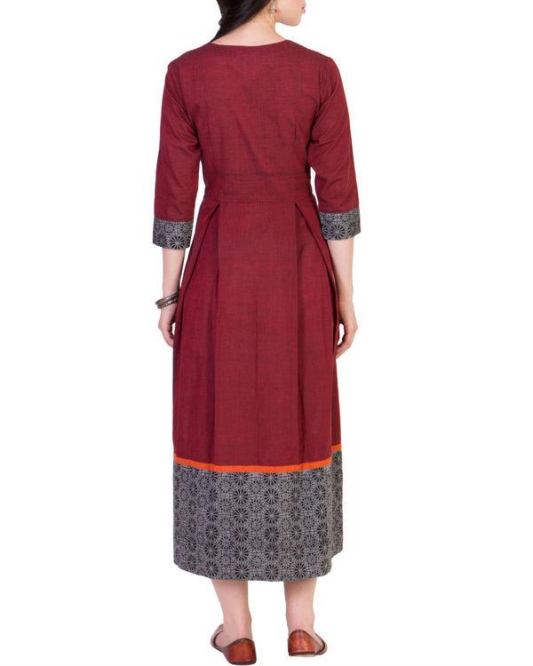 Maroon pleated midi dress 2